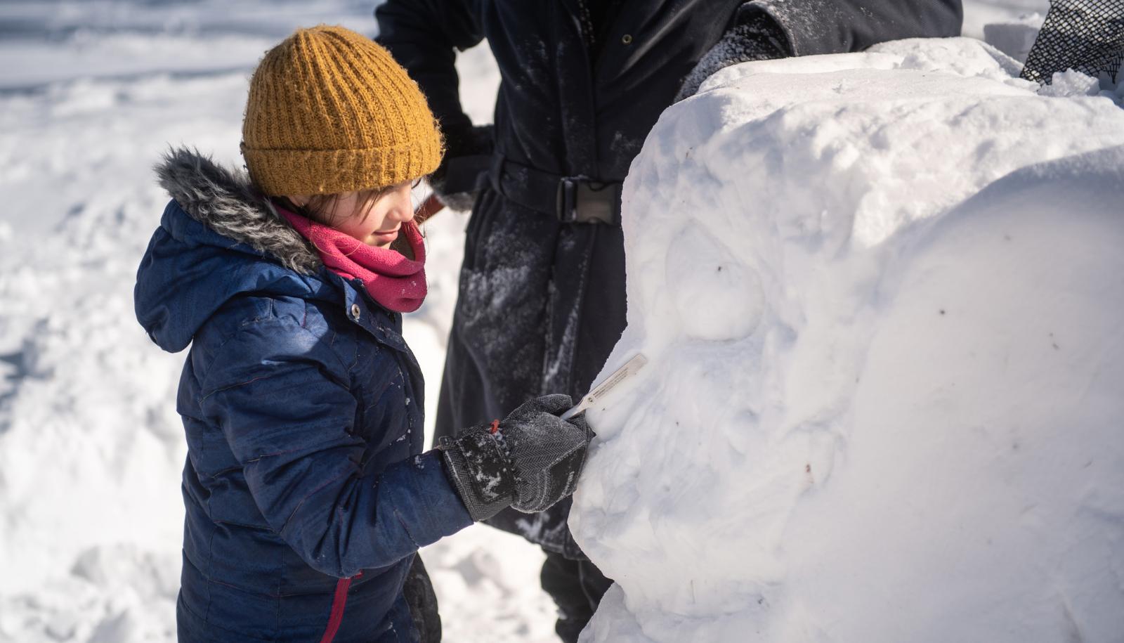 Activite de sculpture sur neige 1