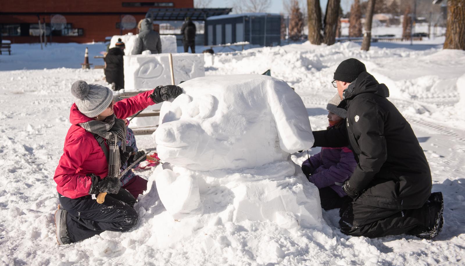 Activite de sculpture sur neige 2