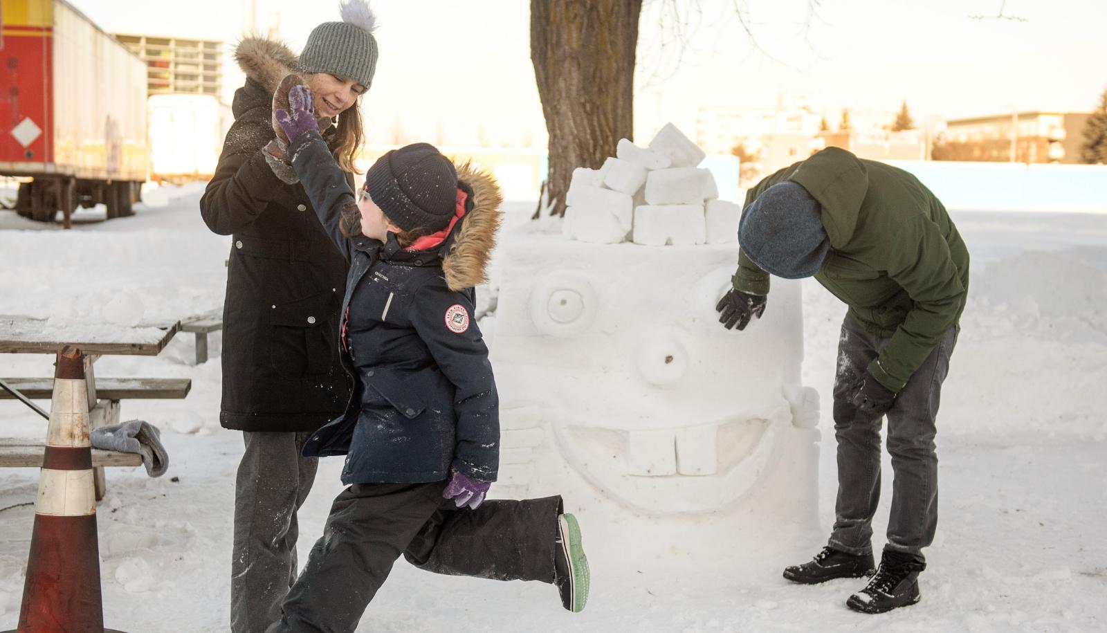 Activite de sculpture sur neige 4