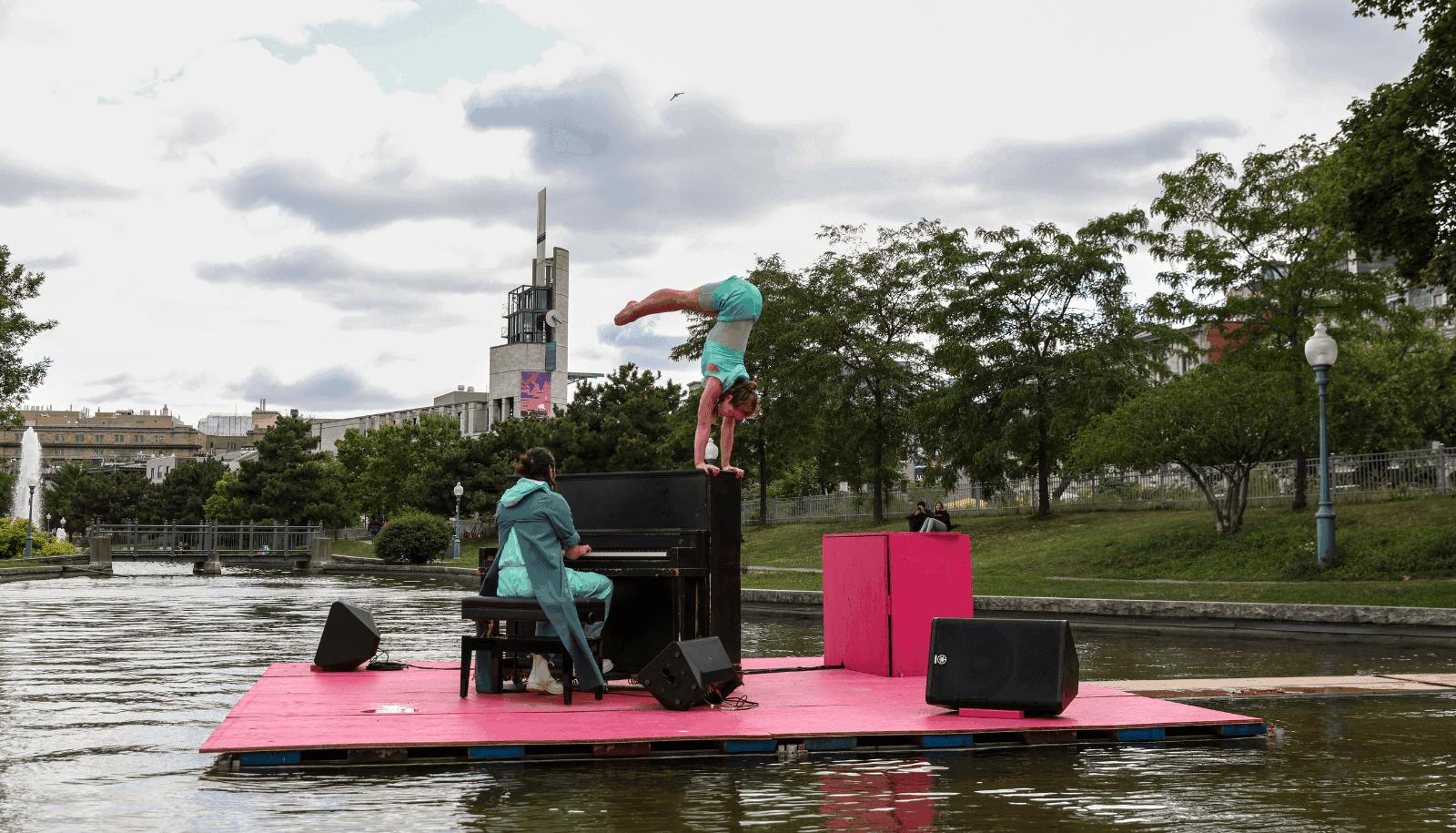 Cirque Eloize dans le Vieux Port TOHU